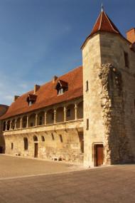 http://www.nerac.fr/chateau-henri-iv.html